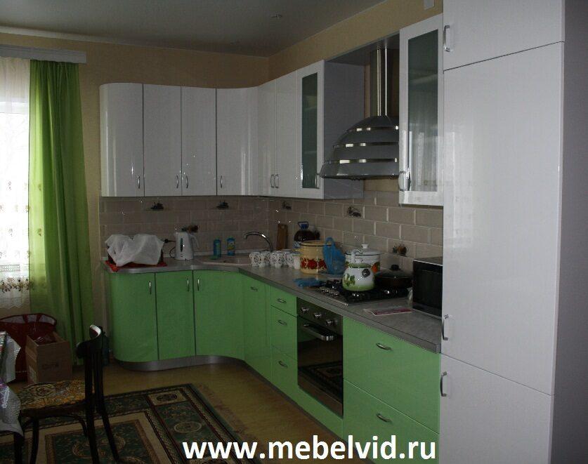 Кухня зеленая