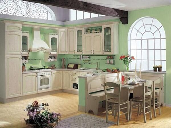 Кухня из массива ясеня Видная Мебель1